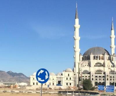 Kıbrıs'ta yapılan cami tepki çekti