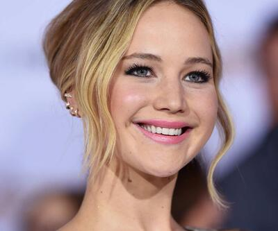 Jennifer Lawrence: Kalçalarımla o kayayı aşağı yuvarladım