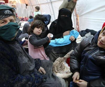 Telafer'den kaçan Türkmenler, Azez'deki kampa yerleştirildi