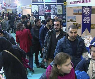 Ankara Kitap Fuarı'na yoğun ilgi