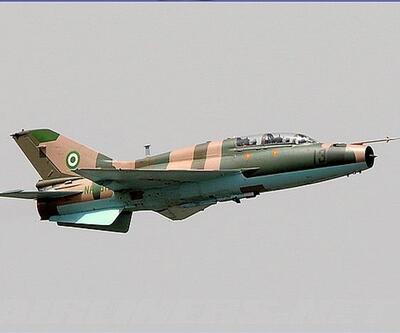 Savaş uçakları sığınmacı kampını vurdu