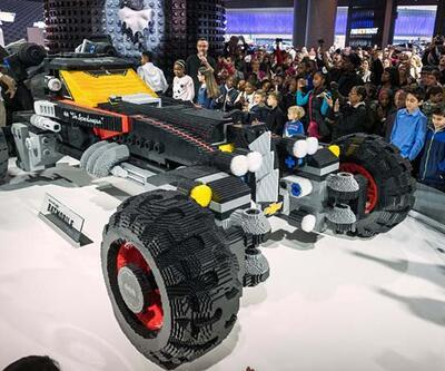 Gerçek boyutlarda Lego Batmobile