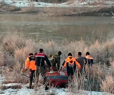 Meriç Nehri'nde mülteci botu battı