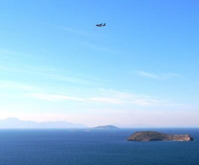 Türk Sahil Güvenlik uçağı Kardak üzerinde alçak uçuş gerçekleştirdi