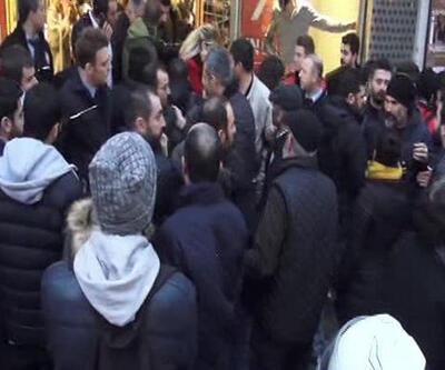 Kadıköy'de anayasa eylemine polis müdahalesi