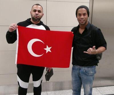 Ronaldinho geldi mi? İşte onu İstanbul'a getiren adam