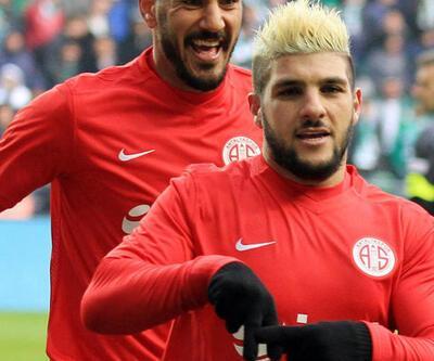 El Kabir ilk maçında golünü attı
