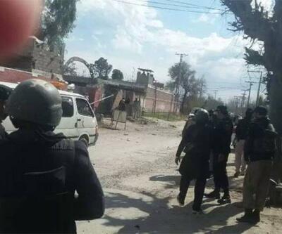 Pakistan'da mahkeme binasına bombalı saldırı: 5 ölü 20 yaralı