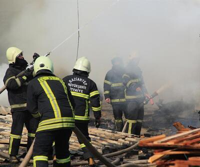 Gaziantep'te kereste fabrikasında yangın