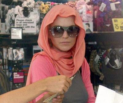 Lindsay Lohan'a büyük şok! Havalimanında ırkçı saldırıya uğradı