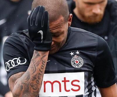 Irkçı saldırıya uğrayan Everton Luiz'e çArşı'dan destek