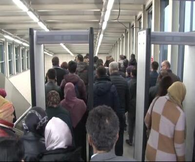 Marmaray'da bugün de yoğunluk yaşanıyor
