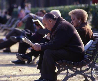 TÜİK açıkladı: Türkiye nüfusu yaşlanıyor