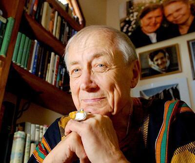 Sovyet şairi Yevtuşenko öldü