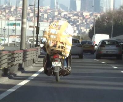 Motosikletle taşıdığı yük bu kadarına pes dedirtti