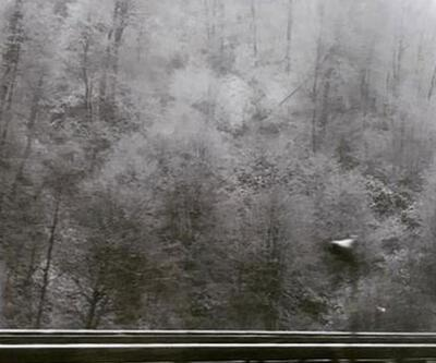 Bolu'da kar yolları kapattı