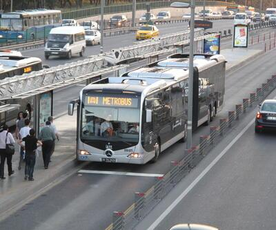 Metrobüs durağında tecavüz girişimi