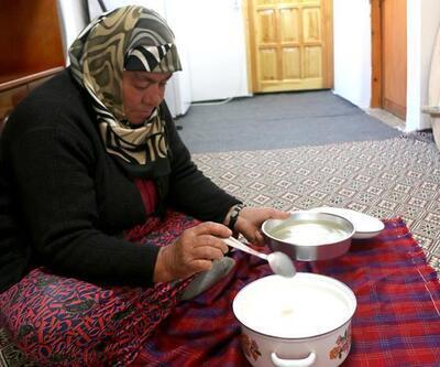 Çiy damlalarından yoğurt mayalayarak asırlık geleneği sürdürüyorlar