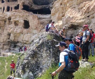 Ulubey Kanyonu'nda dağcılar şenlik yaptı
