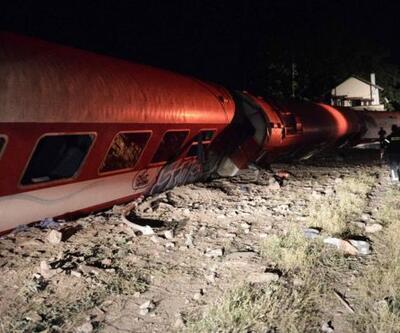 Yunanistan'da tren eve çarptı: 2 ölü