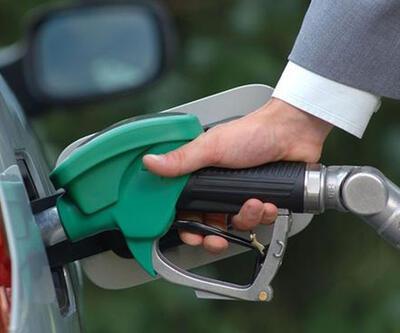 Benzine 25 kuruş, motorine 23 kuruş zam pompaya yansımadı