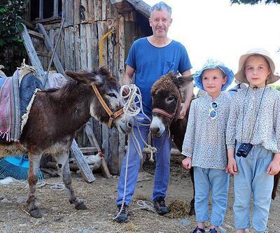 'Christian Amca' eşekleriyle safari turu yaptırıyor