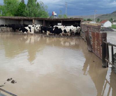 Karaman'da dere taştı köy sular altında kaldı