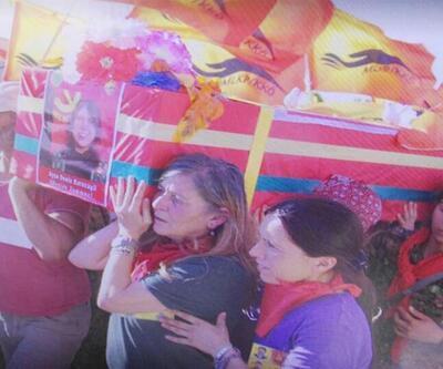 'Kırmızı Fularlı Kız'ın anne ve babası gözaltına alındı