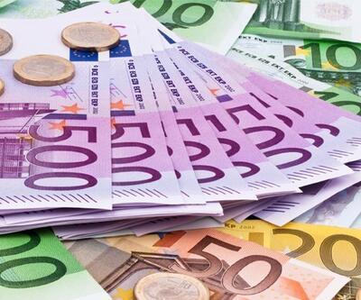 Euro Bölgesi'nde büyüme üst üste ikinci ay ivme kaybetti