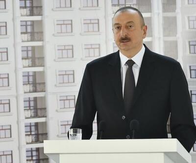 Aliyev gazetecilere ev hediye etti, ortalık karıştı