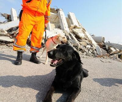 Van depreminin arama-kurtarma kahramanı böyle uğurlandı
