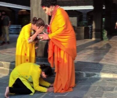 Buda sanıp Bülent Ersoy'un ayaklarına kapandılar