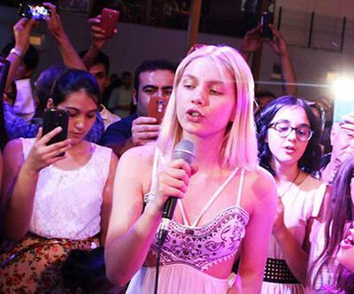 Aleyna Tilki amcasının düğününde şarkı söyledi, Seydişehir yıkıldı