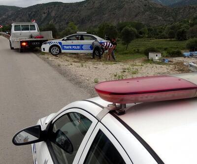 Karabük'te trafiğin iki 'kara noktasına' maket polis aracı