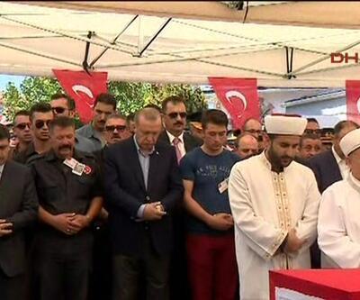 Şehit cenazesinde Cumhurbaşkanı saf tuttu halka hitap etti