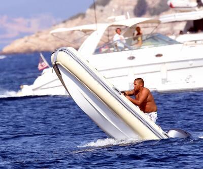 Bodrum koylarında hız teknesi kullanan çocuklar tehlike saçıyor