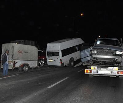 Afyon'da 5 araç birbirine girdi