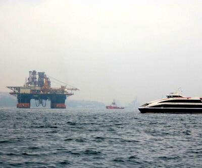 İstanbul Boğazı'nda dev gemi!
