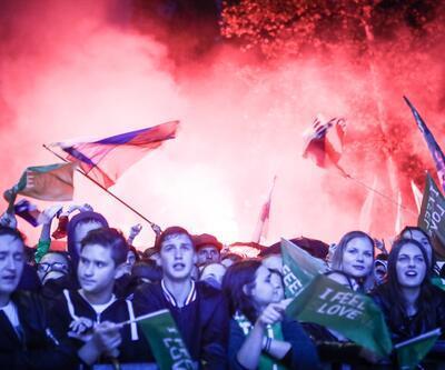 Slovenya'da yer yerinden oynadı