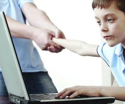 Çocuklarda kontrolsüz internet kullanımı obeziteyi tetikliyor
