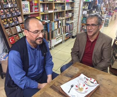 Kitabevinin camlarını silip kitap alan Metin Mutlusoy konuştu