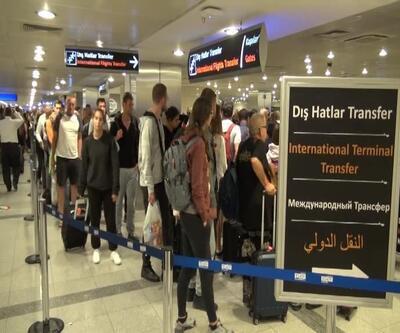 Vize yasağı başladı: Uçaktaki çoğu kişi tedirgin
