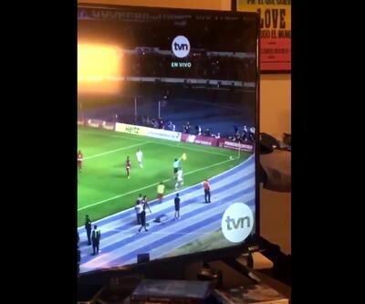 Panamalı top toplayıcı çocuk maça müdahale etti