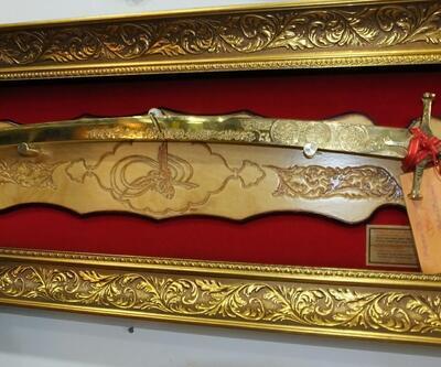 Cumhurbaşkanı Erdoğan için altın kaplama 'Kanuni kılıcı' yaptı