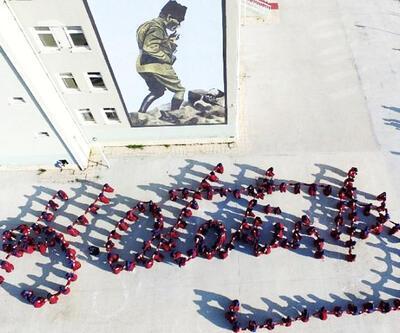 İmam Hatip Lisesi öğrencilerinden Atatürk kareografisi