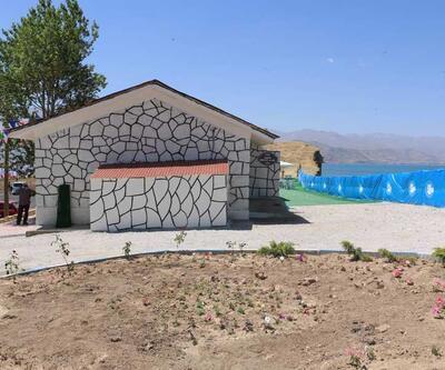 Bakan Kurtulmuş: Van Edremit'te Ermeni Mezarlığı'ndaki o yapılar kaldırılacak