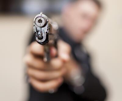 Konuşma bahanesiyle buluştuğu eşini öldürdü