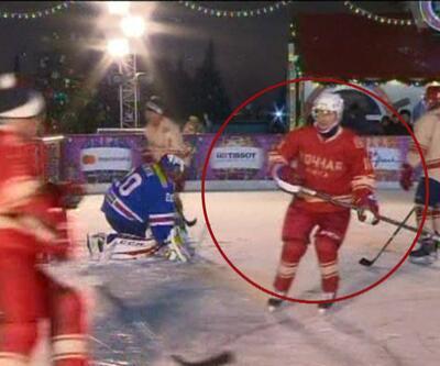 Putin'den Kızıl Meydan'da hokey şov