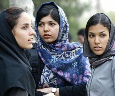 İran'da çarpıcı gelişme: İslami kıyafet kurallarına uymayan kadınlar artık tutuklanmayacak