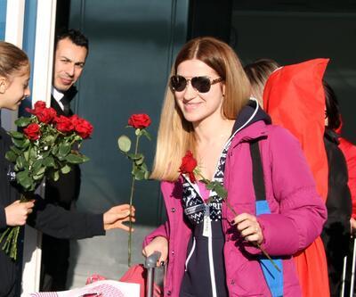 Kayseri'de güllerle karşılandılar